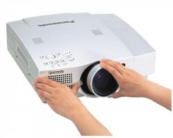 Замена объектива проектора
